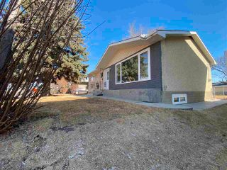 Photo 3: 13623 137 Street in Edmonton: Zone 01 House for sale : MLS®# E4238230