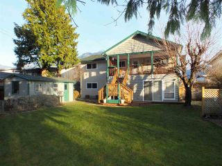 Photo 3: 370 3RD Avenue in Hope: Hope Center House for sale : MLS®# R2424030