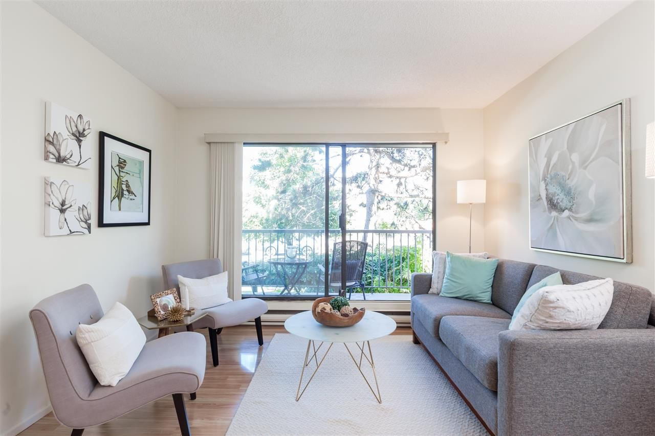 Main Photo: 202 251 W 4TH STREET in North Vancouver: Lower Lonsdale Condo for sale : MLS®# R2206645