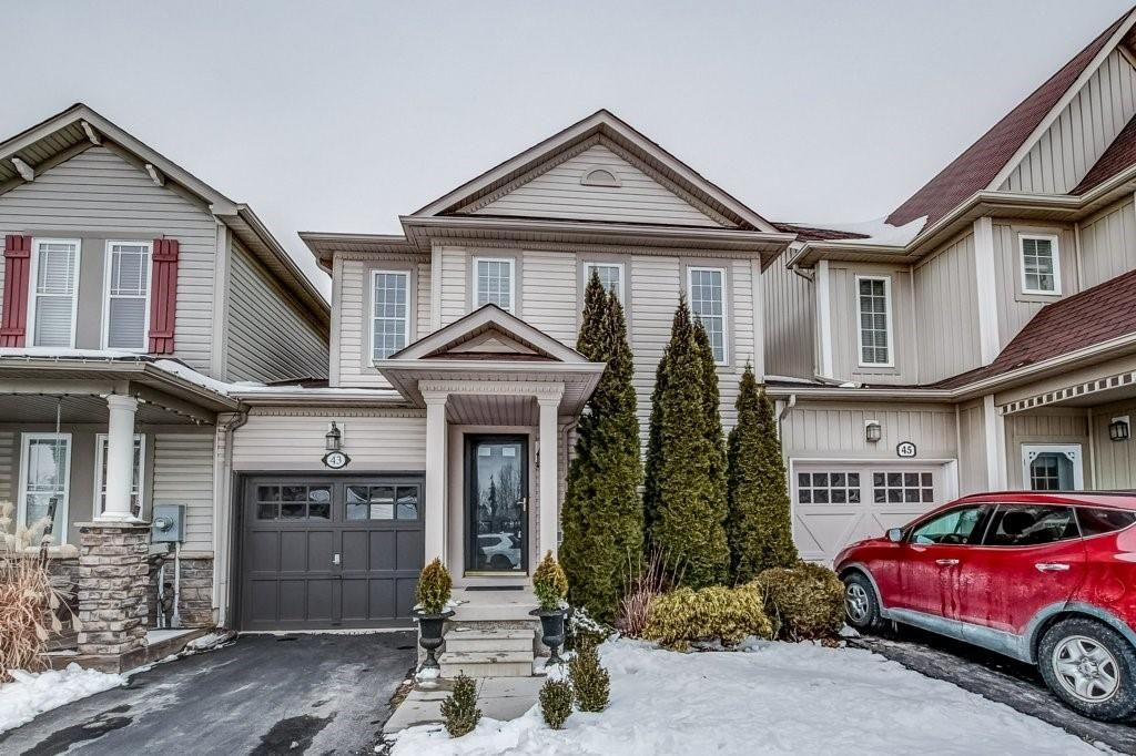 Main Photo: 43 GOLDEN IRIS Crescent in Waterdown: Residential for sale : MLS®# H4071010