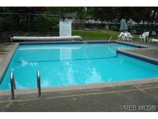 Photo 10: 601 640 Broadway Street in VICTORIA: SW Glanford Townhouse for sale (Saanich West)  : MLS®# 296652