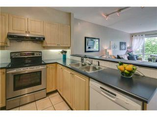 """Photo 4: 412 3629 DEERCREST Drive in North Vancouver: Roche Point Condo for sale in """"RAVENWOODS - DEERFIELD BY THE SEA"""" : MLS®# V952130"""