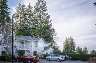 Photo 1: 6088 Cedar Grove Dr in : Na North Nanaimo Row/Townhouse for sale (Nanaimo)  : MLS®# 869327