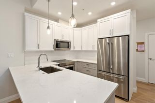 Photo 3: 101 2475 Mt. Baker Ave in : Si Sidney North-East Condo for sale (Sidney)  : MLS®# 883125