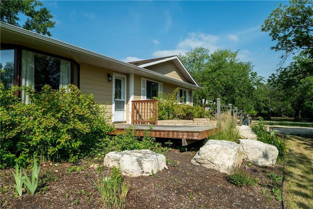 Main Photo: 125 Turnbull Drive in Winnipeg: St Norbert Residential for sale (1Q)  : MLS®# 202116838