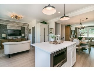 """Photo 13: 28 15717 MOUNTAIN VIEW Drive in Surrey: Grandview Surrey Townhouse for sale in """"Olivia"""" (South Surrey White Rock)  : MLS®# R2600355"""