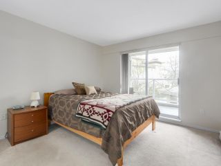 """Photo 11: 216 2559 PARKVIEW Lane in Port Coquitlam: Central Pt Coquitlam Condo for sale in """"THE CRESCENT"""" : MLS®# R2156465"""