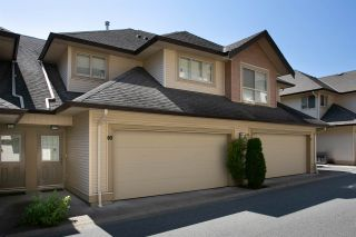 """Photo 1: 60 20350 68 Avenue in Langley: Willoughby Heights Townhouse for sale in """"Sundridge"""" : MLS®# R2312004"""