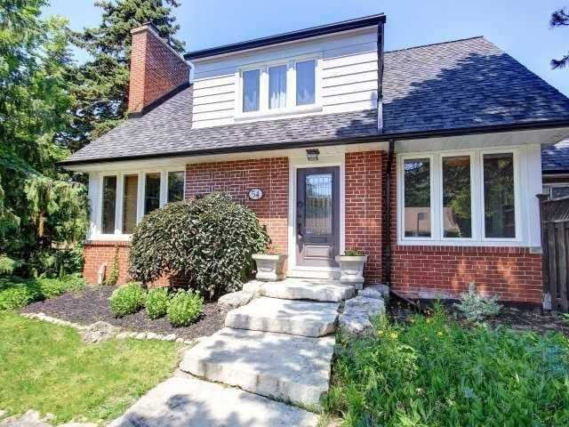 Main Photo: 54 Robin Hood Rd: Freehold for sale : MLS®# W4457760