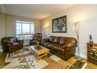 """Photo 4: 21 21867 50 Avenue in Langley: Murrayville Townhouse for sale in """"Winchester"""" : MLS®# R2009721"""