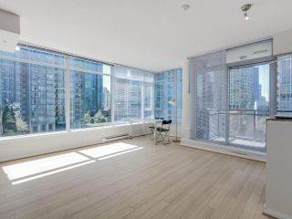 """Photo 2: 803 1211 MELVILLE Street in Vancouver: Coal Harbour Condo for sale in """"The Ritz"""" (Vancouver West)  : MLS®# R2084525"""