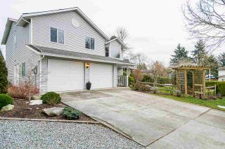 Photo 3: 6348 183A Street in Surrey: Cloverdale BC House for sale (Cloverdale)  : MLS®# R2541844