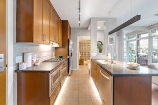 """Photo 14: 302 1189 MELVILLE Street in Vancouver: Coal Harbour Condo for sale in """"THE MELVILLE"""" (Vancouver West)  : MLS®# R2611872"""