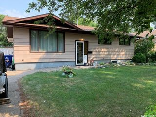 Photo 2: 107 Spinks Drive in Saskatoon: West College Park Residential for sale : MLS®# SK864131