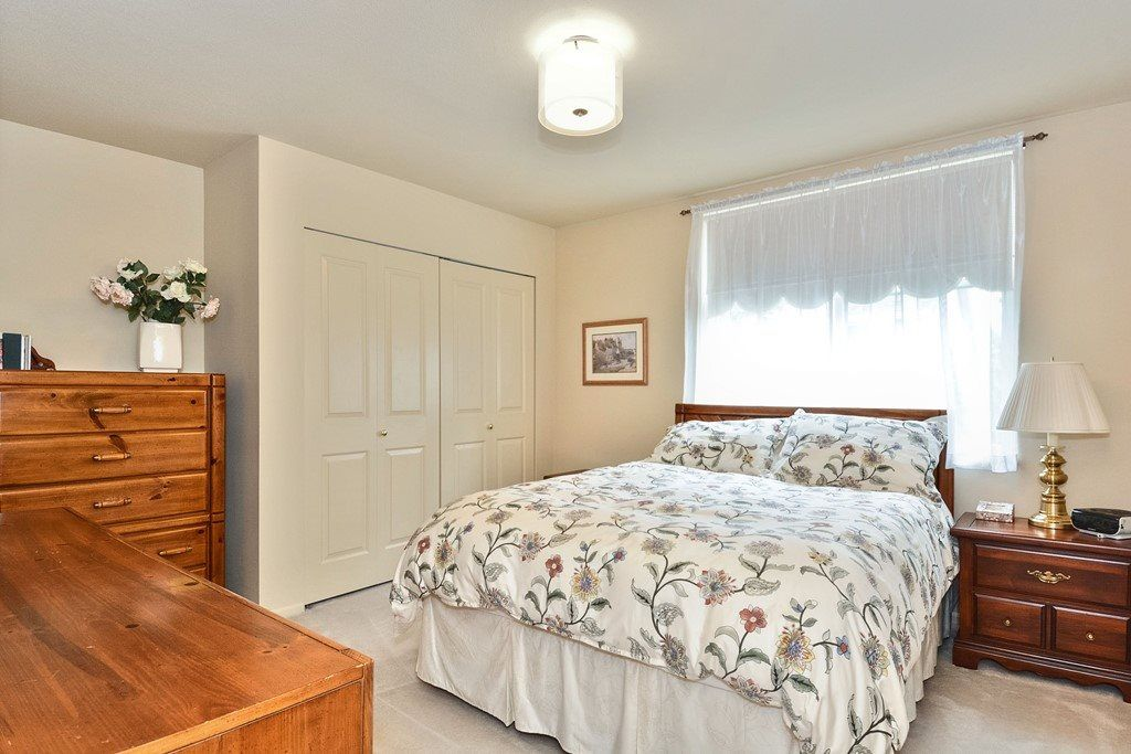 """Photo 15: Photos: 22 14877 33RD Avenue in Surrey: King George Corridor Townhouse for sale in """"Sandhurst"""" (South Surrey White Rock)  : MLS®# R2206509"""