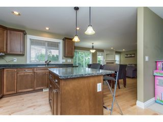 Photo 10: 32792 HOOD Avenue in Mission: Mission BC House for sale : MLS®# R2093528
