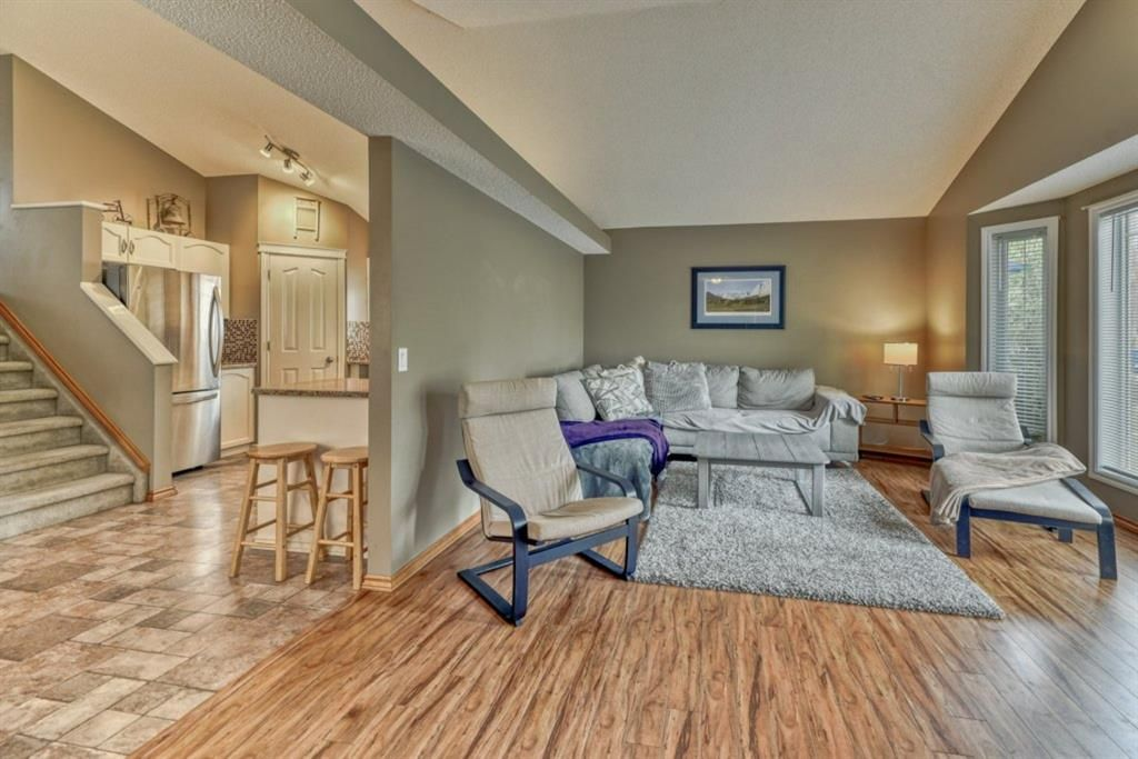 Main Photo: 100 Somerside Grove SW in Calgary: Somerset Detached for sale : MLS®# A1111723