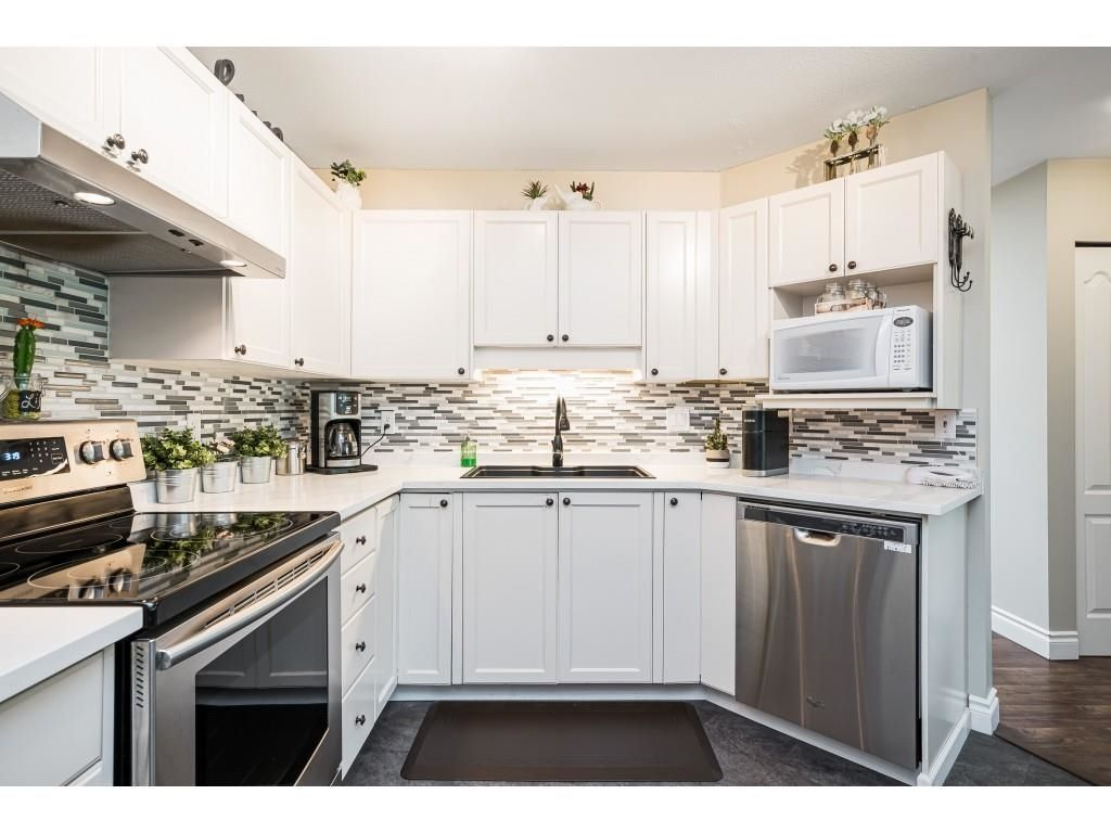 """Photo 12: Photos: 306 5450 208 Street in Langley: Langley City Condo for sale in """"Montgomery Gate"""" : MLS®# R2608181"""