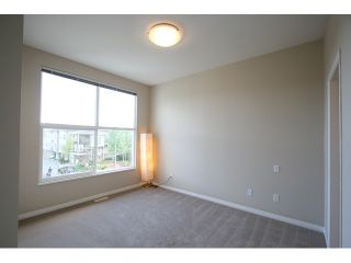 """Photo 7: 7 7100 LYNNWOOD Drive in Richmond: Granville Townhouse for sale in """"LAUREL WOOD"""" : MLS®# V891072"""