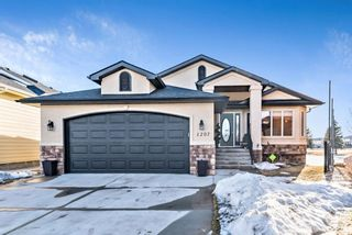 Photo 1: 1207 Highland Green Bay NW: High River Detached for sale : MLS®# A1074887