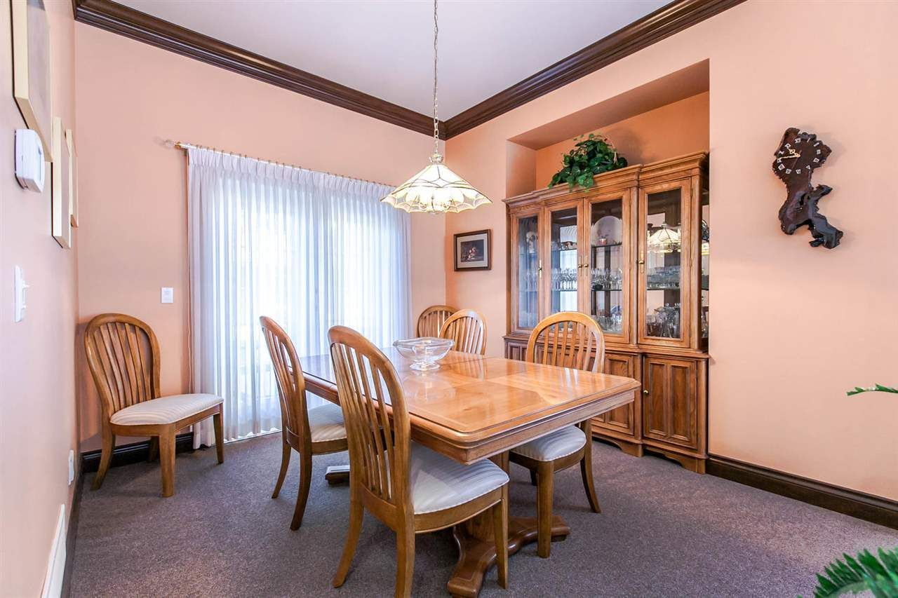 Photo 5: Photos: 21709 44 Avenue in Langley: Murrayville House for sale : MLS®# R2108375