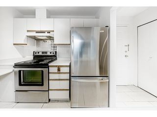 """Photo 11: 104 518 THIRTEENTH Street in New Westminster: Uptown NW Condo for sale in """"COVENTRY COURT"""" : MLS®# R2443771"""