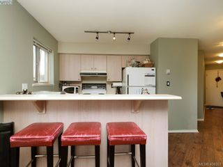Photo 10: 311 2560 Wark St in VICTORIA: Vi Hillside Condo for sale (Victoria)  : MLS®# 811579