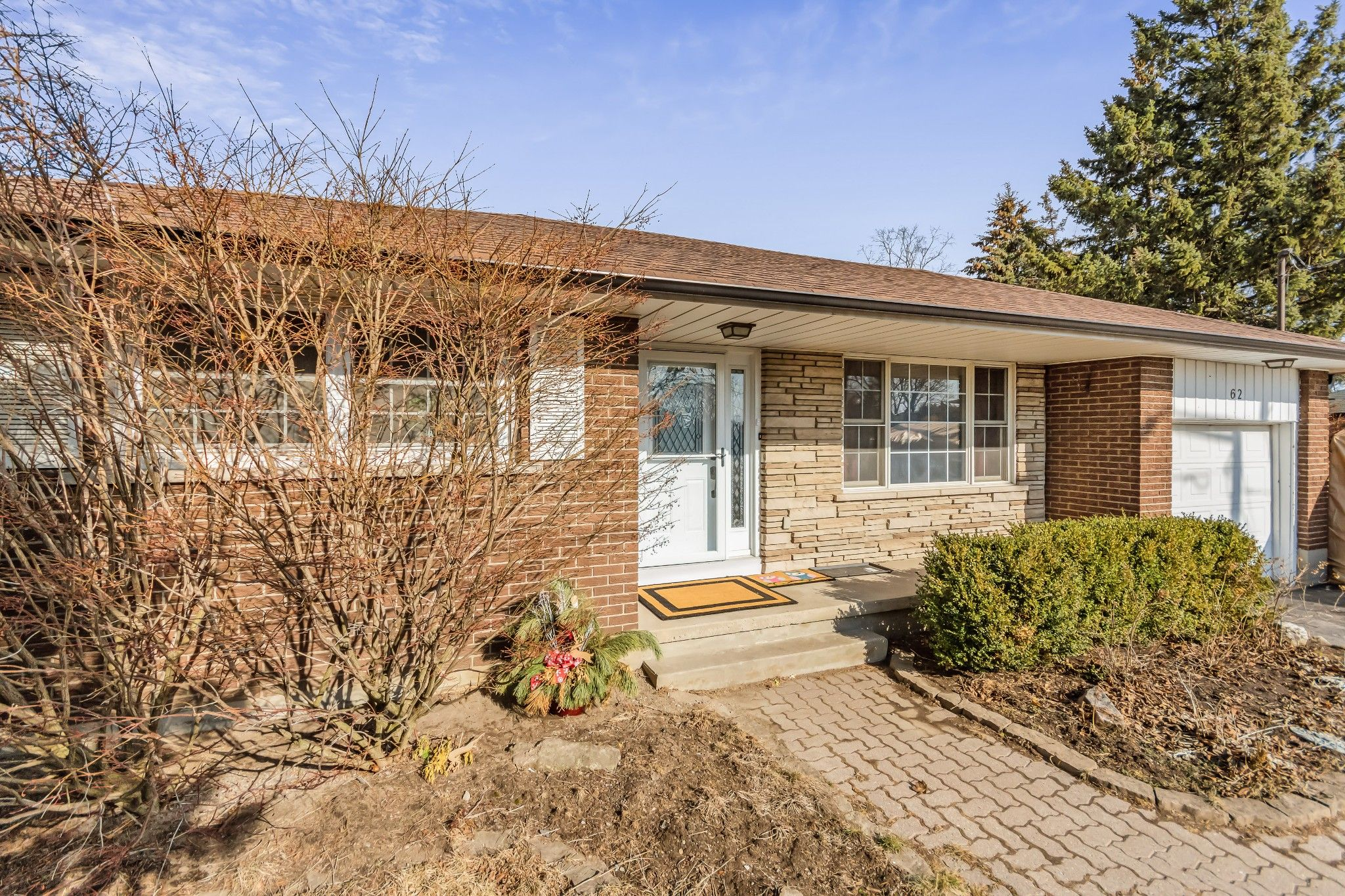 Main Photo: 62 Parkway Crescent in Bowmanville: Clarington Freehold for sale (Durham)