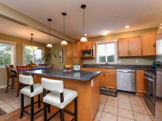 Photo 2: 2304 Heron Cres in COMOX: CV Comox (Town of) House for sale (Comox Valley)  : MLS®# 834118