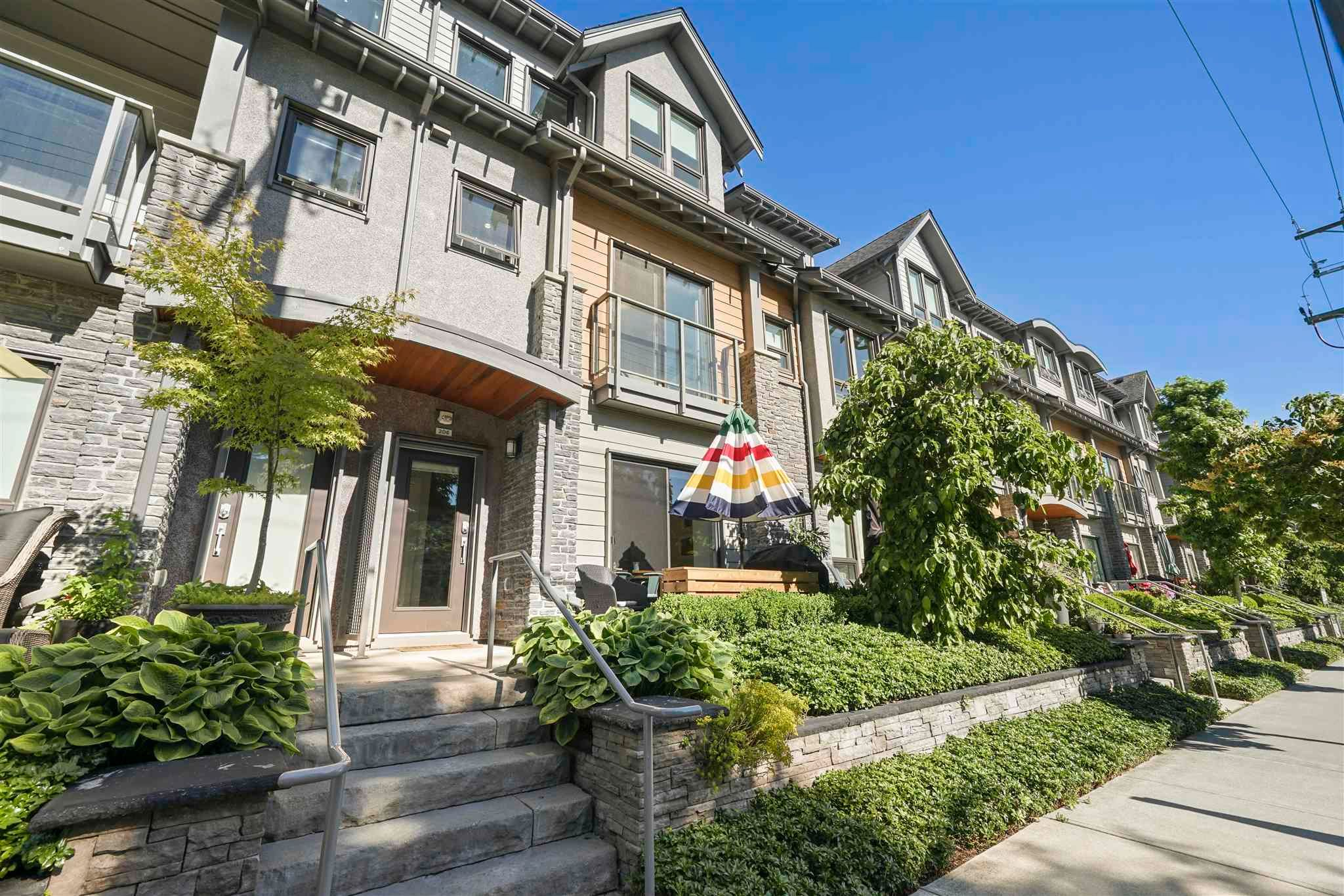 """Main Photo: 206 1738 55A Street in Delta: Cliff Drive Townhouse for sale in """"CITY HOMES @ NORTH GATE"""" (Tsawwassen)  : MLS®# R2595789"""