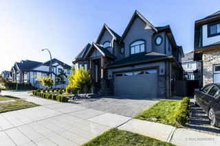 Photo 3: 14929 69A Avenue in Surrey: West Newton House for sale : MLS®# R2497912