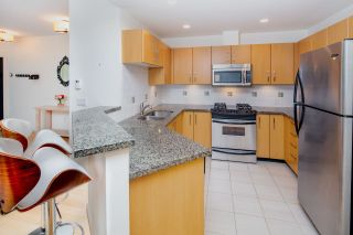 "Photo 9: 2575 EAST Mall in Vancouver: University VW Townhouse for sale in ""LOGAN LANE"" (Vancouver West)  : MLS®# R2302222"