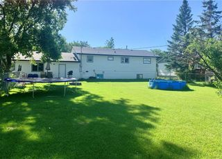 Photo 2: 430 Fifth Avenue East in Ste Rose Du Lac: R31 Residential for sale (R31 - Parkland)  : MLS®# 202115237