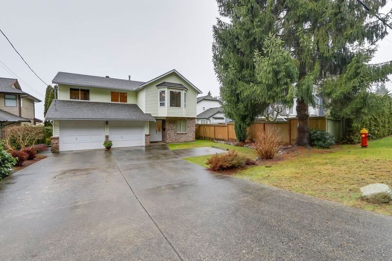 Main Photo: 638 ROBINSON Street in Coquitlam: Coquitlam West House for sale : MLS®# R2230447