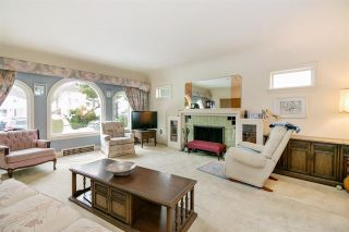 Photo 2: 5877 LINCOLN Street in Vancouver: Killarney VE House for sale (Vancouver East)  : MLS®# R2261922
