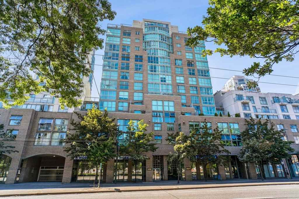 "Main Photo: 402 1159 MAIN Street in Vancouver: Downtown VE Condo for sale in ""CityGate 2"" (Vancouver East)  : MLS®# R2511331"