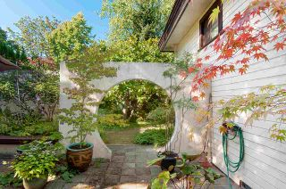 Photo 2: 4406 W 11TH Avenue in Vancouver: Point Grey House for sale (Vancouver West)  : MLS®# R2330680