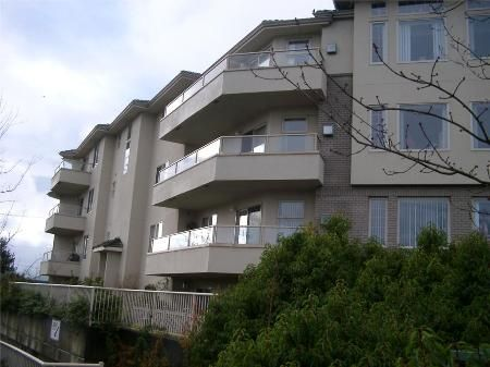 Photo 2: Photos: 3700 Carey Rd in Victoria: Residential for sale (Canada)  : MLS®# 271459