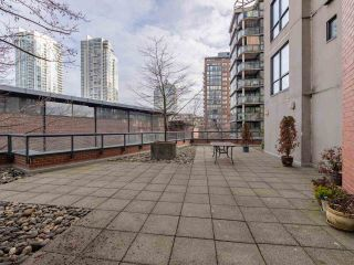 "Photo 22: 10C 199 DRAKE Street in Vancouver: Yaletown Condo for sale in ""CONCORDIA 1"" (Vancouver West)  : MLS®# R2539673"
