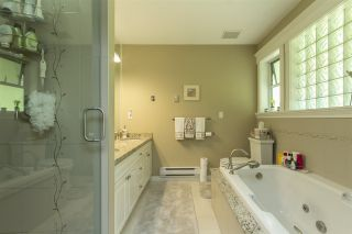 """Photo 10: 33 4001 OLD CLAYBURN Road in Abbotsford: Abbotsford East Townhouse for sale in """"Cedar Springs"""" : MLS®# R2166092"""