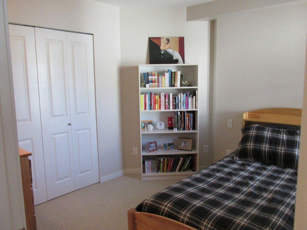 Photo 2: Photos: 403-533 Yates Rd in Kelowna: North Glenmore Condo for sale : MLS®#  10087726