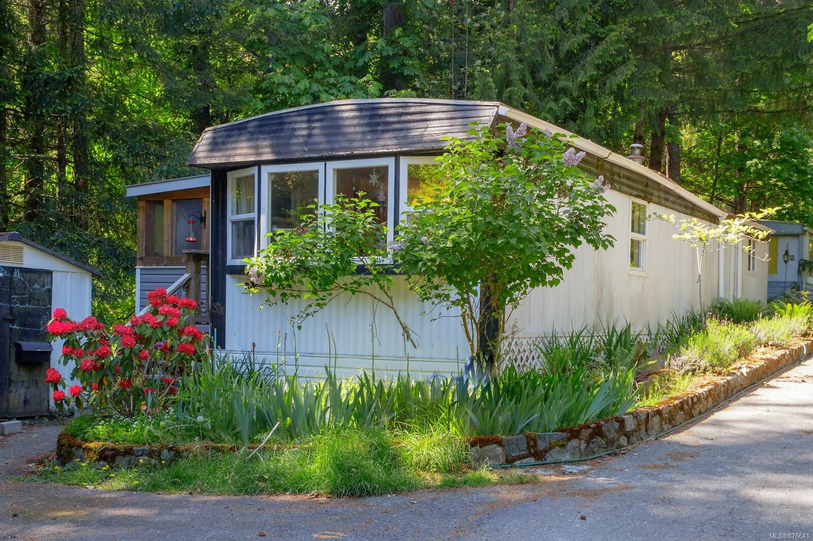 Main Photo: 60 2500 Florence Lake Rd in : La Florence Lake Manufactured Home for sale (Langford)  : MLS®# 876641