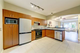 """Photo 5: 185 9133 GOVERNMENT Street in Burnaby: Government Road Townhouse for sale in """"Terramor by Polygon"""" (Burnaby North)  : MLS®# R2526339"""