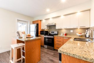 """Photo 5: 23 19448 68 Avenue in Surrey: Clayton Townhouse for sale in """"NUOVO"""" (Cloverdale)  : MLS®# R2413880"""