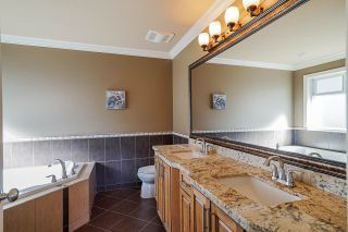 """Photo 22: 19686 71B Avenue in Langley: Willoughby Heights House for sale in """"Routley"""" : MLS®# R2446476"""