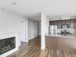 """Photo 3: 1908 892 CARNARVON Street in New Westminster: Downtown NW Condo for sale in """"AZURE 2"""" : MLS®# R2191316"""