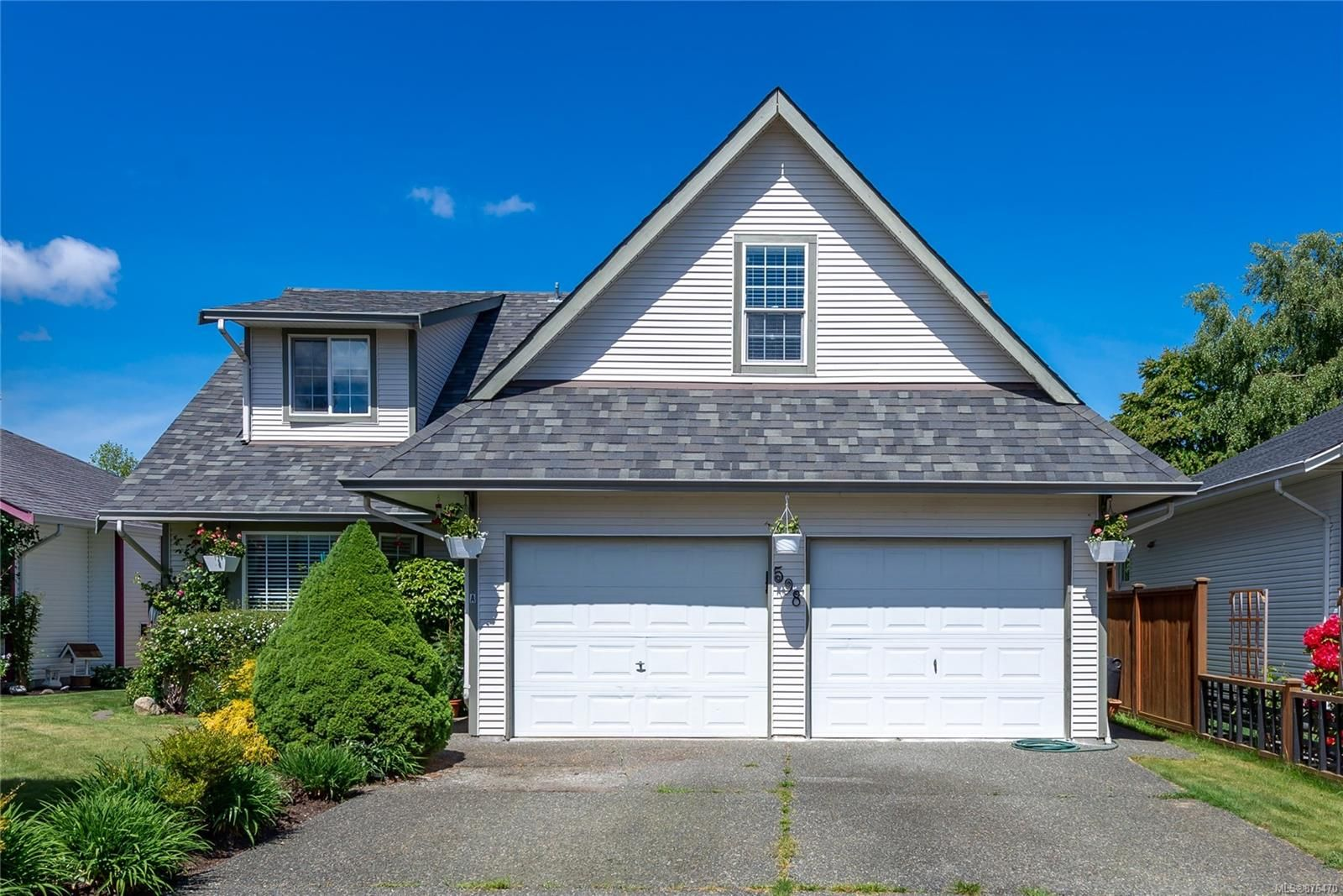 Main Photo: 598 Rebecca Pl in : CR Willow Point House for sale (Campbell River)  : MLS®# 876470