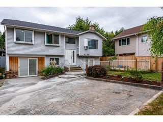 Main Photo: 27423 32 Avenue in Langley: Aldergrove Langley House for sale : MLS®# R2603368