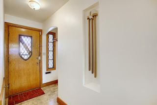 Photo 2: 711 47 Avenue SW in Calgary: Elboya Detached for sale : MLS®# A1081266