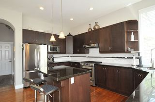 Photo 7: 19456 THORBURN WAY in Pitt Meadows: South Meadows House for sale : MLS®# R2189637